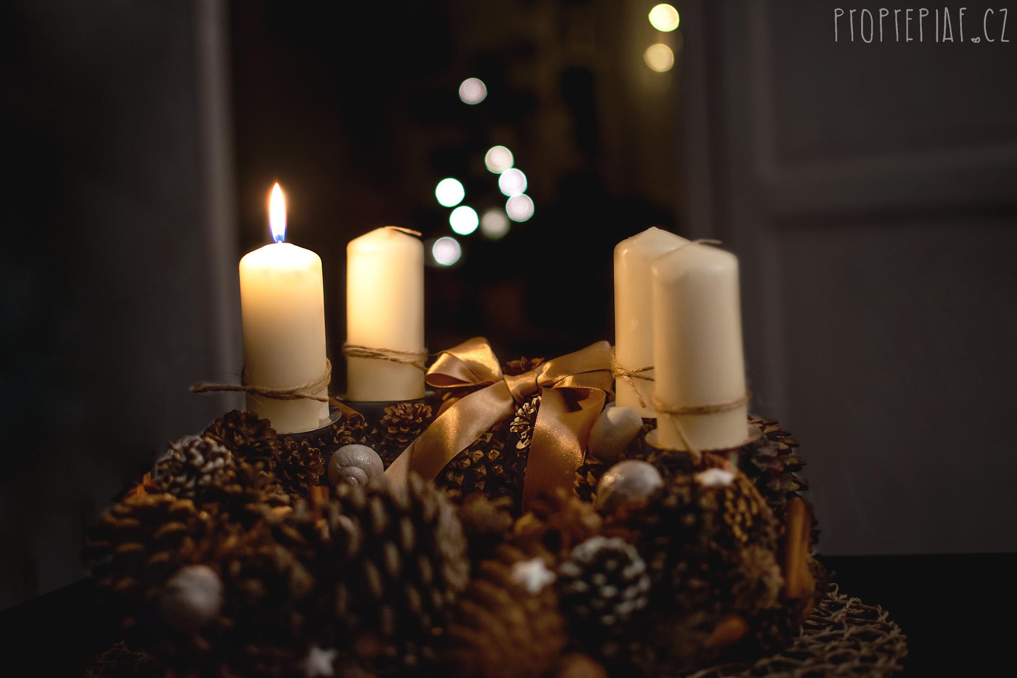 Advent, Mikuláš, pečení cukroví a dárky